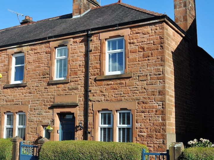 Number 3 @ Victoria Edwardian Townhouse Dumfries