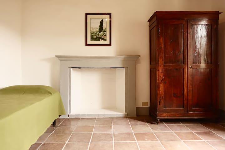Camera doppia con letti singoli - Double room with single beds