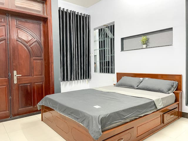 Bedroom 1 with a Queen bed 1.6x2m