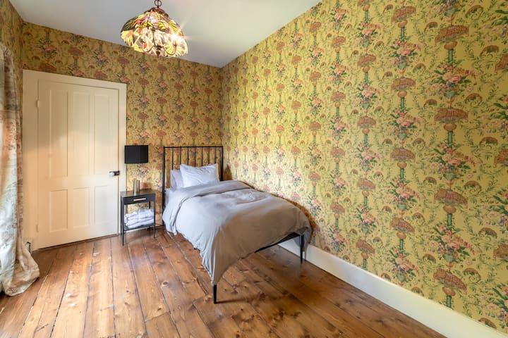 Second floor single bedroom