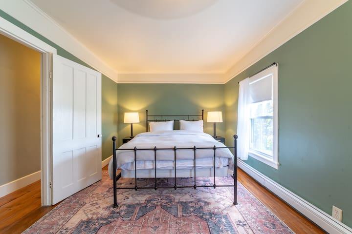 Second floor queen bedroom west