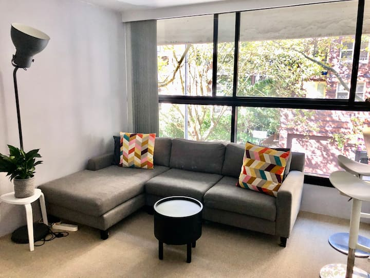 All you need in one comfy studio in Potts Point