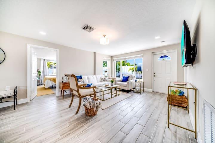 modern & bright Livingroom