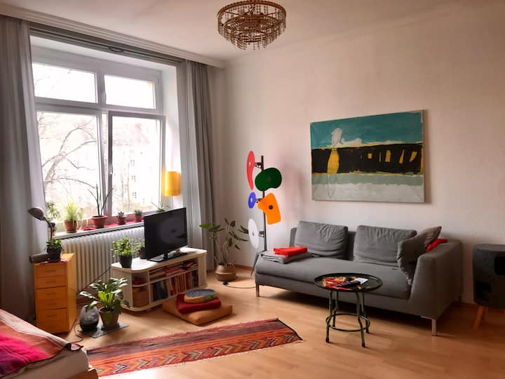 Bright charming  flat in the middle of Berlin