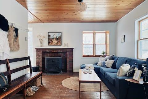 The Vermont Birch House: North Hero Island Retreat