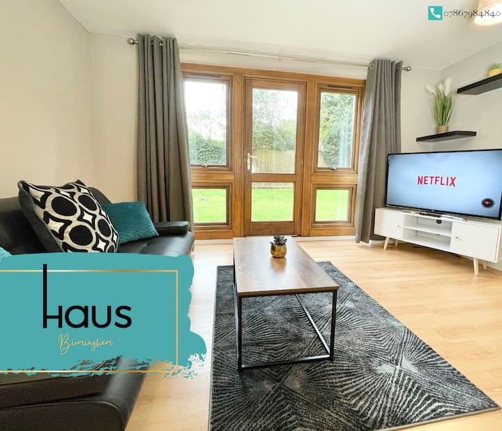 Haus Apartments 1 Bed with Parking & Garden
