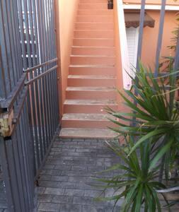 Escalera de accesso al Apartamento
