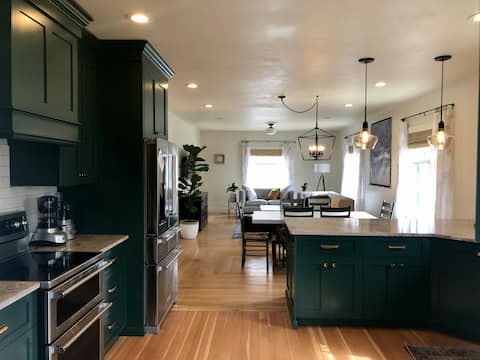 The 101 House- Newly Remodeled House near Downtown