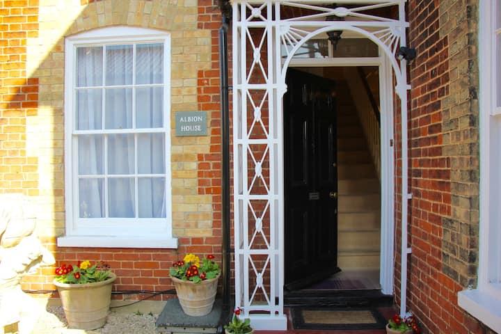 Sleeps14 Seaside Luxury House on the Suffolk Coast