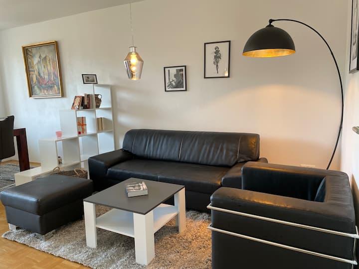 Hochwertige 3-Zi-Wohnung mit Balkon