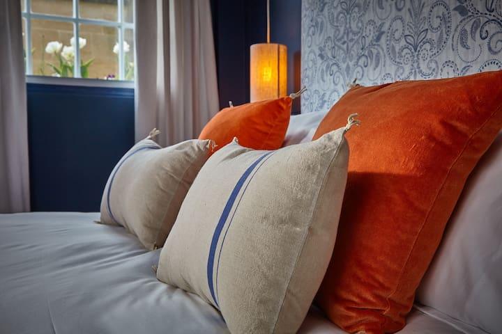 Luxury high thread count bedding
