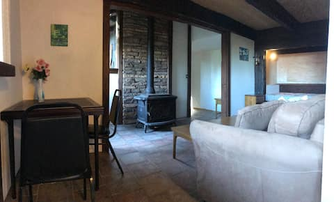 Cozy Guest Suite in Redwood Forest Retreat WiFi
