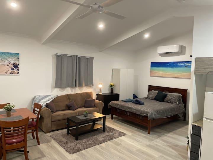 Bert's Beach house:new studio near Scarness beach