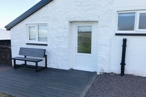 Newly renovated, holiday cottage with WiFi.