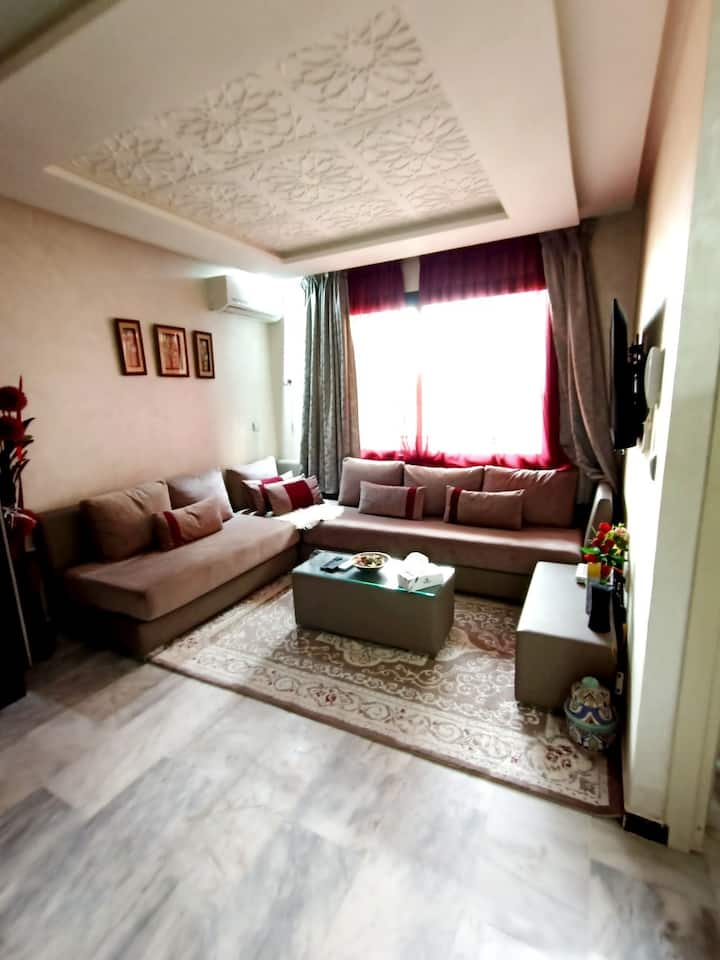 joli appartement location vacance  Marrakech guéli