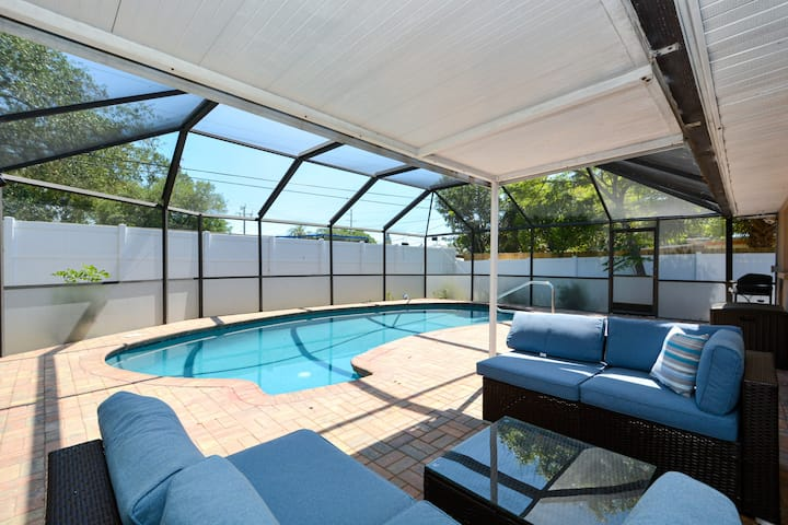 Clean & Cozy Pool Home,  ❤ Pets, 4 Miles to Beach!