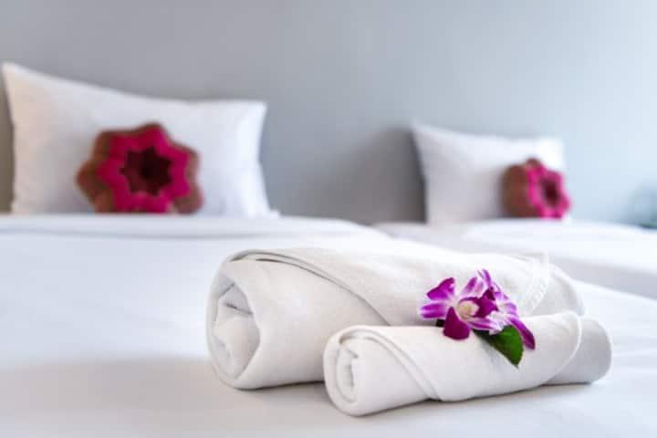 ♦Sea View Balcony + Pool & Sun Beds - ⛱Beach 5 min