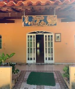 Porta principal entrada tem 1,0 largura e portas quartos com 80 e 82cm largura