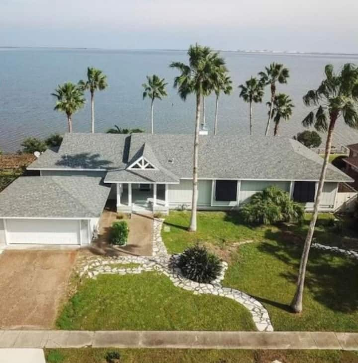 Pelican Lookout, waterfront home in Corpus Christi