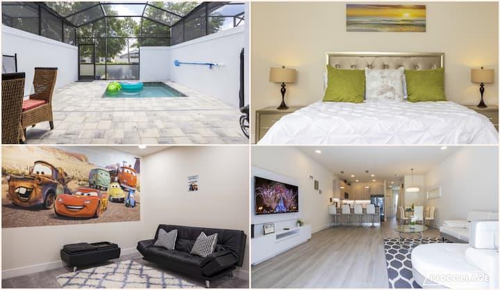 Brand New Modern Home - Private Heated Pool/Spa!