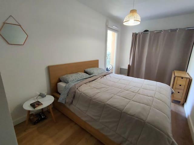 La chambre avec lit Queen Size (160x200)