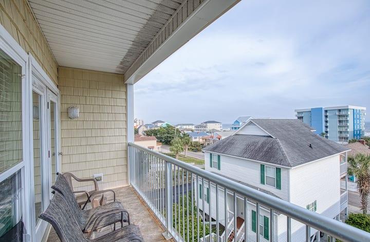HUGE Ocean View 7BD, 5.5BA Duplex, Side B
