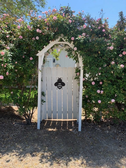 The BEE Cottage in Santa Ynez