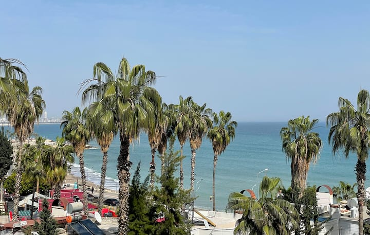 Beach Front Seaview 3Bedrooms executive Apartment
