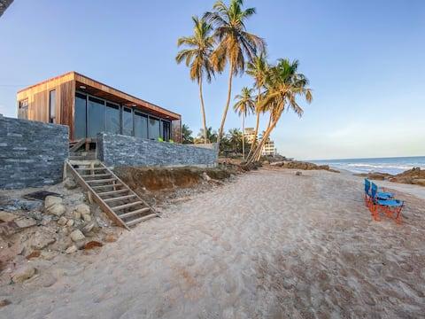 Suntaa Beach Boxx- Reef...The Ocean At Your Feet