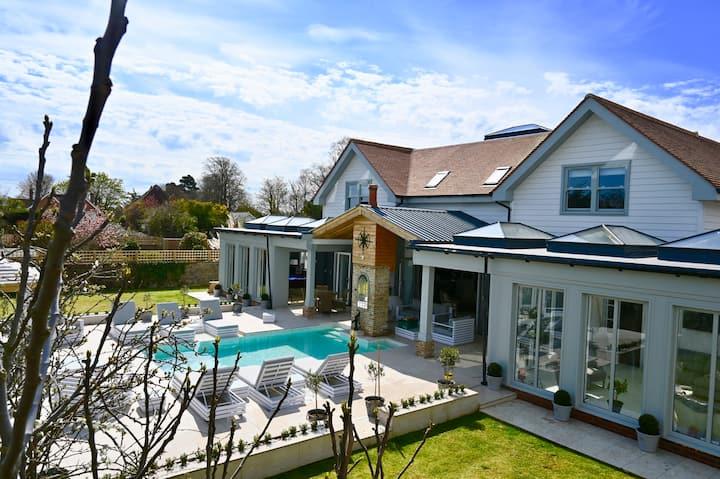 Luxury Five Star, Hampton House With Heated Pool