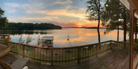 Lake house with million dollar view