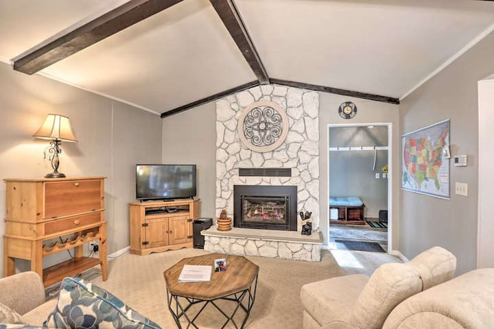 Charming One-Story Cottage - 6 Miles to Lake & Ski