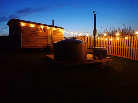 Brand new Shepherds hut with log burner & hot tub