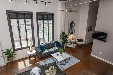 ⚡️Opening Discount!⚡️Penthouse off Sundance Square