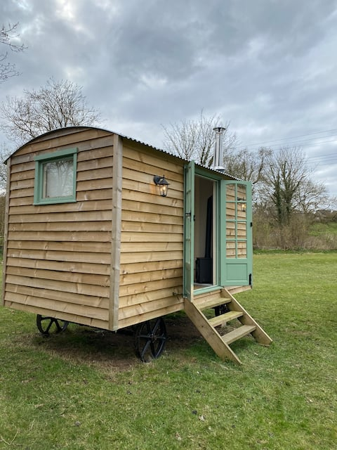 Shepherd hut (Acres Meadow)