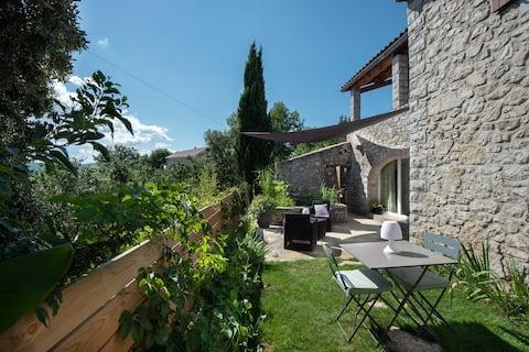 Le shubunkin - Gite cosy en Ardèche méridionale