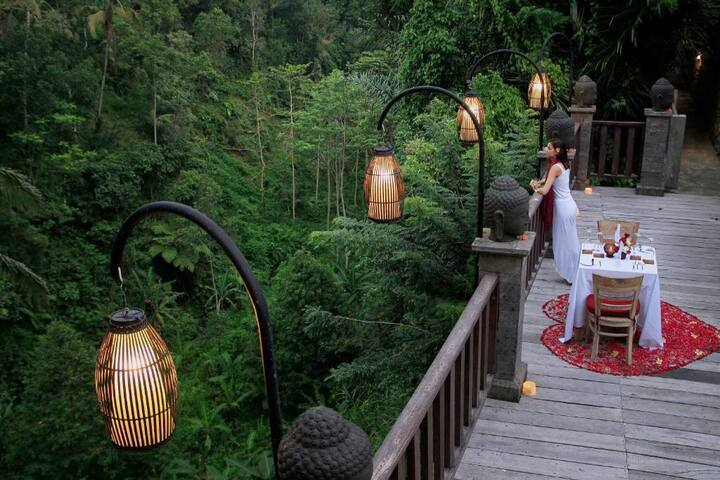 Tampaksiring resort -Deluxe Valley room