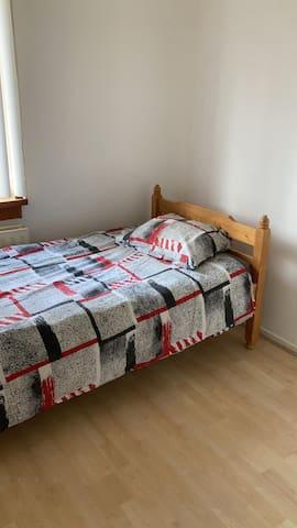 2e slaapkamer, 1 bed