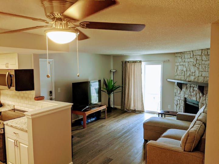 2bd/2ba Utah Park Condo - Pet and 420 Friendly