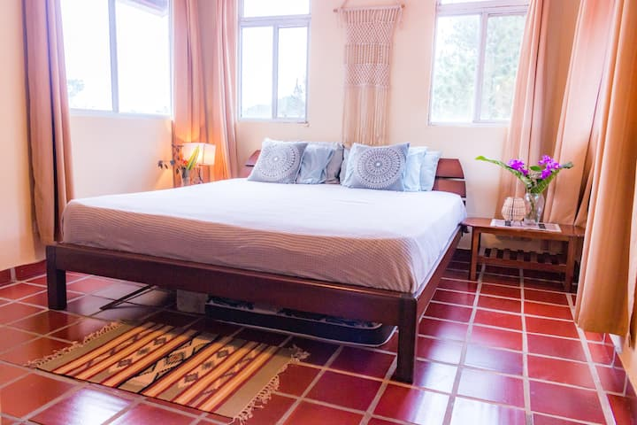 Spacious King Room Special- Shared Villa