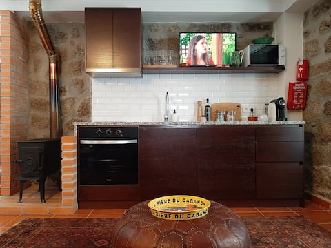 Stylish and cosy 1BR apt in historic building