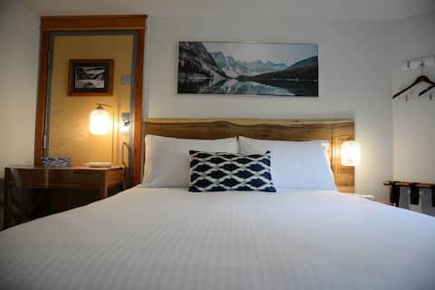 Cozy Hotel Room  1BD/1BA/Gym