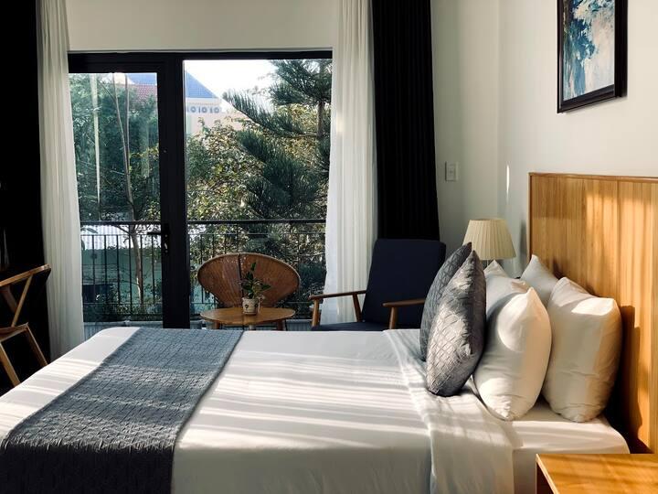 Queen Room with balcony*kingsize bed*Floor2*