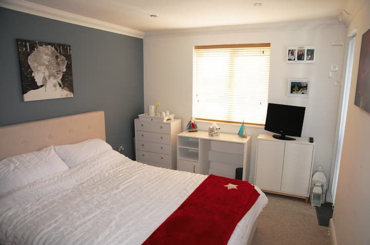 Large King size room with private en-suite WC