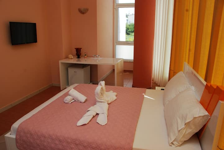 Cosy double room,breakfast included