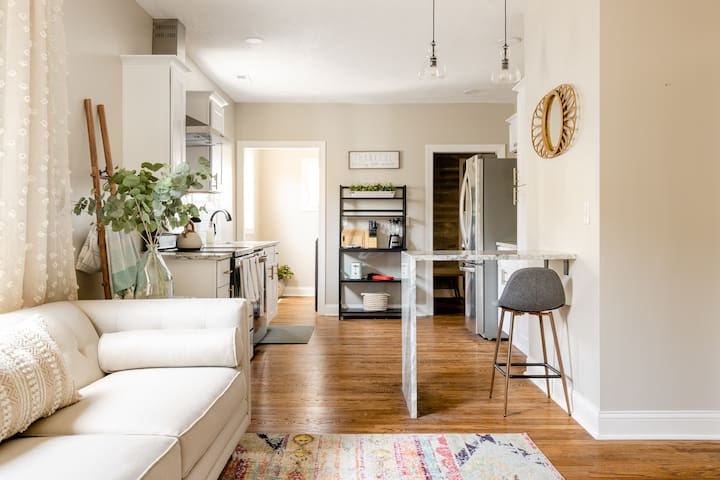 Open kitchen/living room layout
