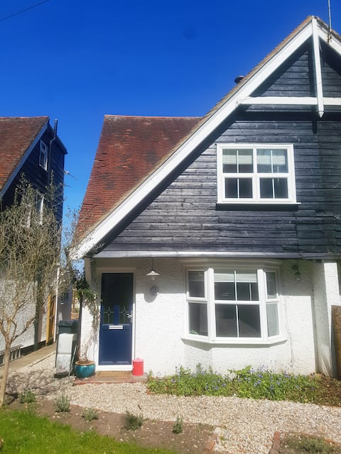 Rosendal – Cosy Cottage for Countryside & Coast