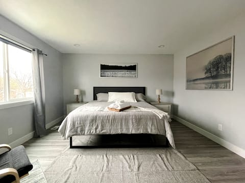 Rest and enjoy in style. Private room in Lehi.
