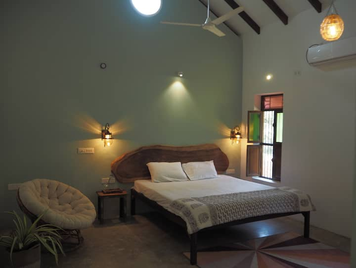 Room 3 in resort with pool Auroville