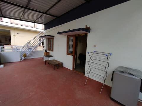 A rustic studio in Gottigere / Bannerghatta road